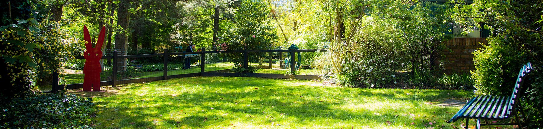 10Private-peaceful-FENCED-garden-for-each-cottage.jpg
